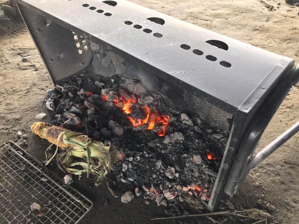 迷惑BBQ集団 多摩川に大量ゴミ放置「ガッツリ火をつけたまま」のコンロまで…